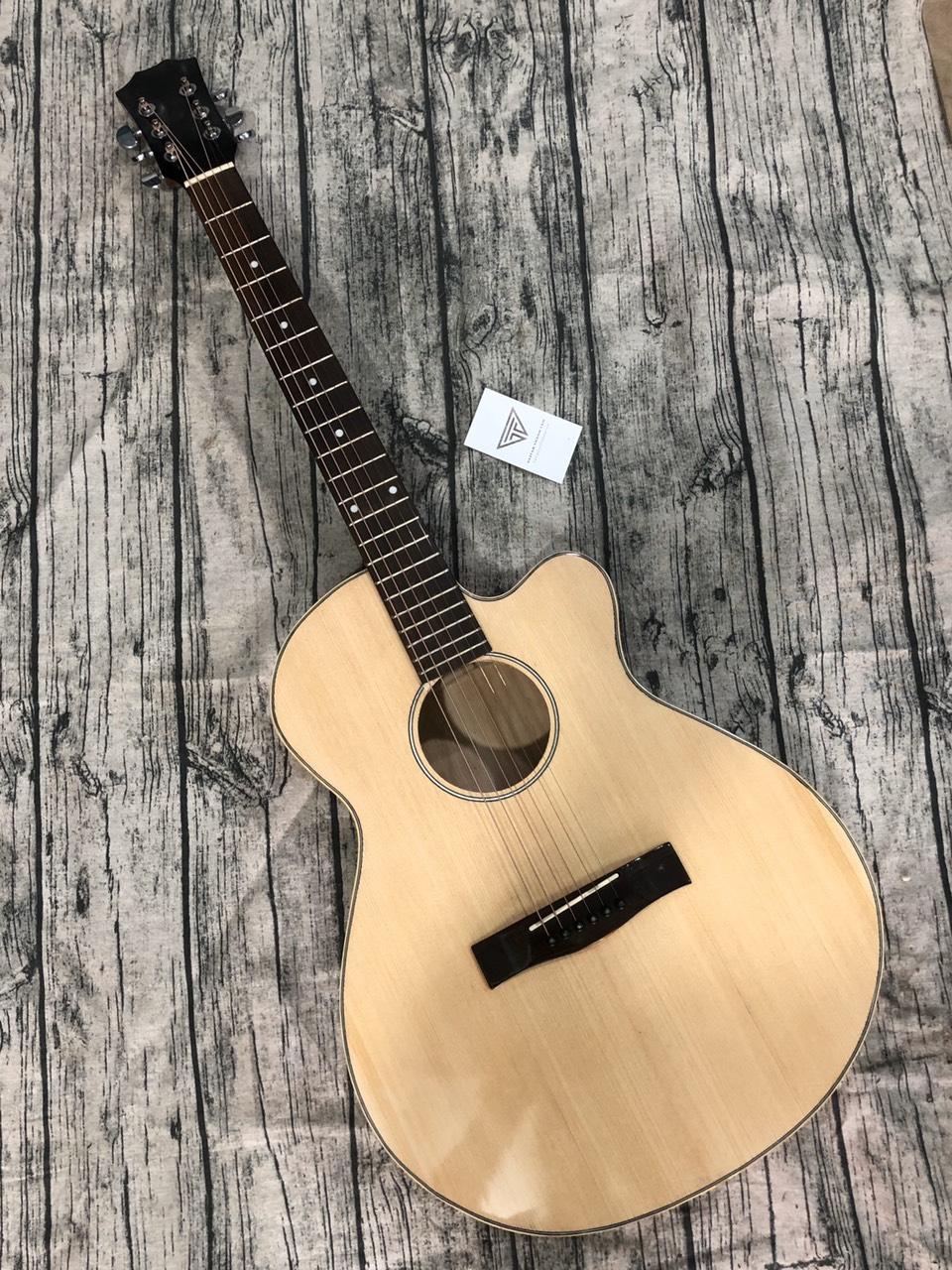 Guitar Acoustic  E90GA